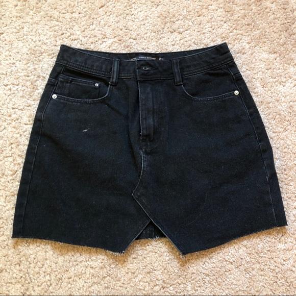 Zara Dresses & Skirts - Black zara denim skirt